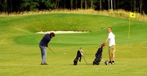 luetetsburg-lodges_golfplatz_DSC_8878_be_576x300px