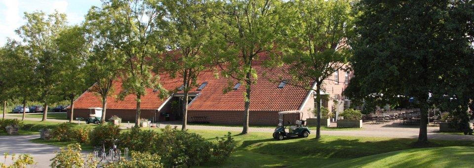 luetetsburg-lodges_kontakt_1920x680px_IMG_8937_pitch-und-chipping-green